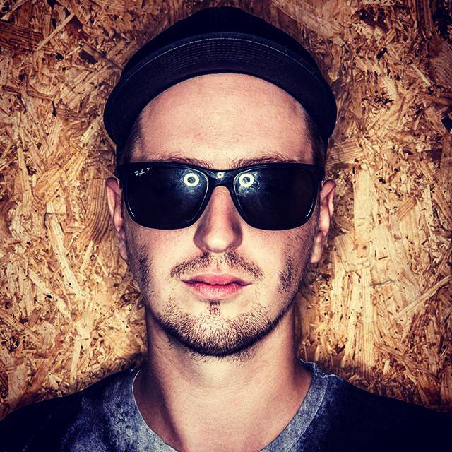 Robin_Schulz_Portrait_Low_Res (2)