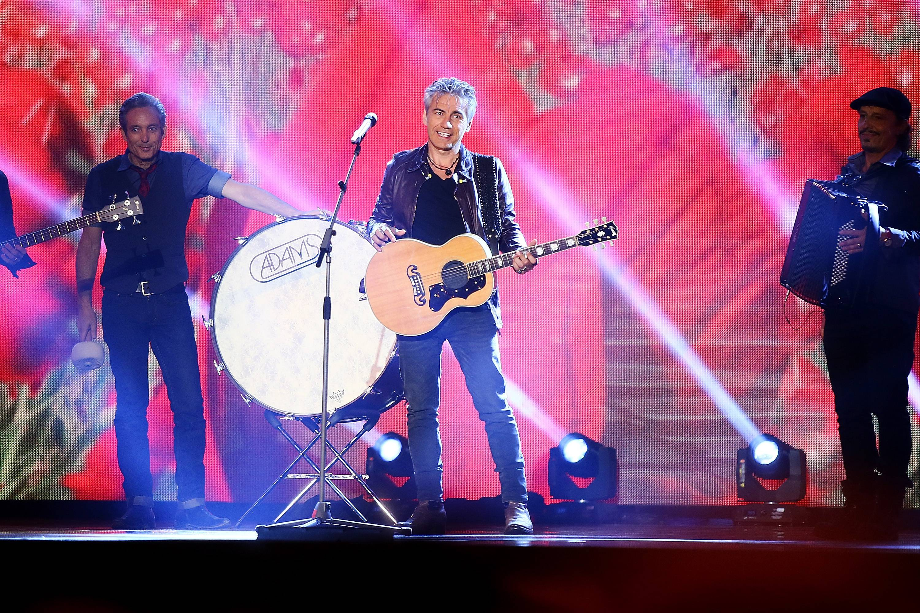 ROME, ITALY - APRIL 25:  Luciano Ligabue performs during the 'Viva il 25 aprile!' at Piazza del Quirinale on April 25, 2015 in Rome, Italy.  (Photo by Ernesto Ruscio/Getty Images)
