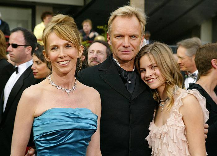HOLLYWOOD, CA - FEBRUARY 29:  (L-R) Actress Trudie Styler, Sting, and daughter Coco attend the 76th Annual Academy Awards at the Kodak Theater on February 29, 2004 in Hollywood, California.  (Photo by Carlo Allegri/Getty Images)