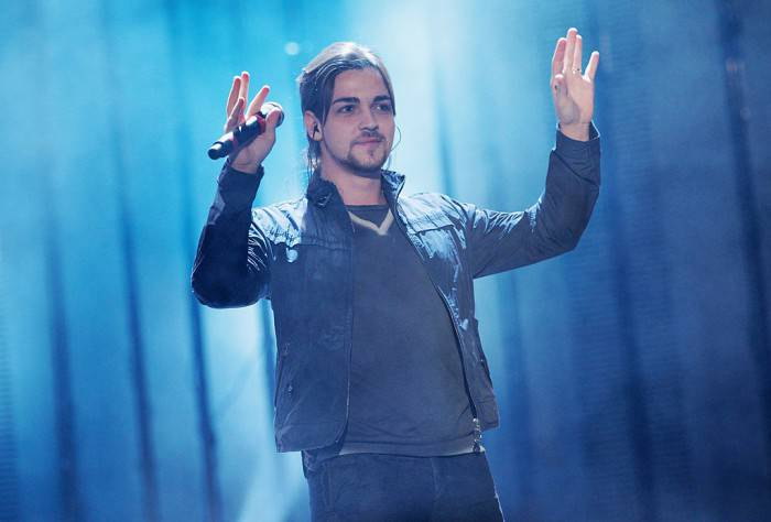 FLORENCE, ITALY - APRIL 20:  Singer Valerio Scanu performs at the TRL Awards 2011 on April 20, 2011 in Florence, Italy.  (Photo by Vittorio Zunino Celotto/Getty Images)