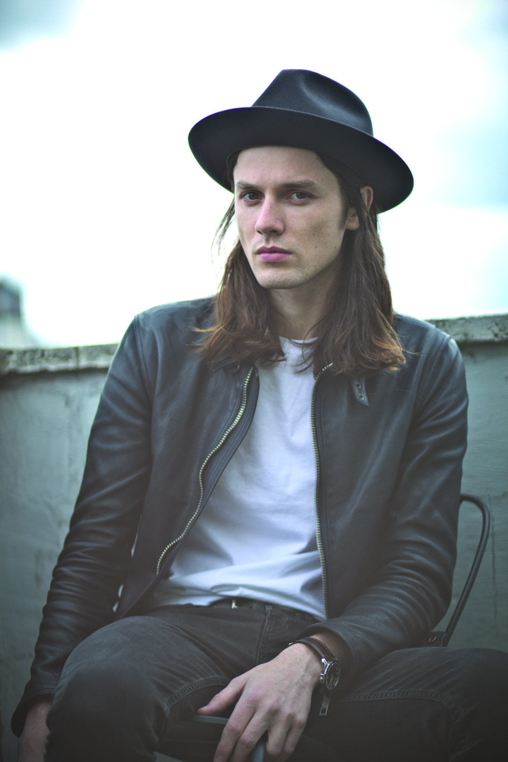 James Bay_Photo_Hold Back_300CMYK_foto di Emily Hope