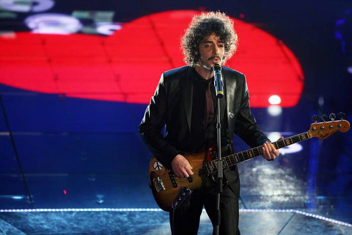 SAN REMO, ITALY - MARCH 01:  Italian singer Max Gazze' performs on stage during the 58th San Remo Music Festival on March 01, 2008 in San Remo, Italy.  (Photo by Elisabetta Villa/Getty Images)