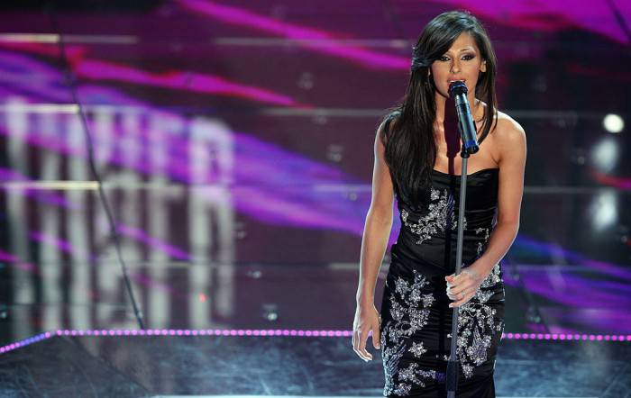 SAN REMO, ITALY - MARCH 01:  Italian singer Anna Tatangelo performs on stage during the 58th San Remo Music Festival on March 01, 2008 in San Remo, Italy.  (Photo by Elisabetta Villa/Getty Images)
