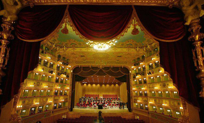 VENICE, ITALY - DECEMBER 13:  The world famous theater La Fenice prepares to reopen December 13, 2003 in Venice, Italy.  (Photo by Giuseppe Cacace/Getty Images)