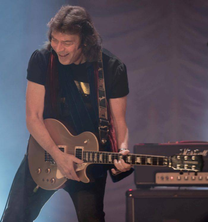 steve-hackett_-credit-cathypoulton_2017tour_lr