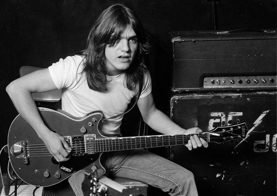 malcolm-young-morto